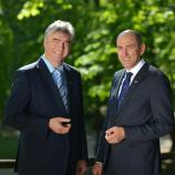 Nosilec liste SDS dr. Milan Zver in predsednik SDS Janez Janša