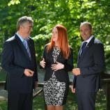 Dr. Milan Zver, Carmen Merčnik in Janez Janša
