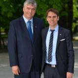 Dr. Milan Zver z asistentom Petrom Šuhlom